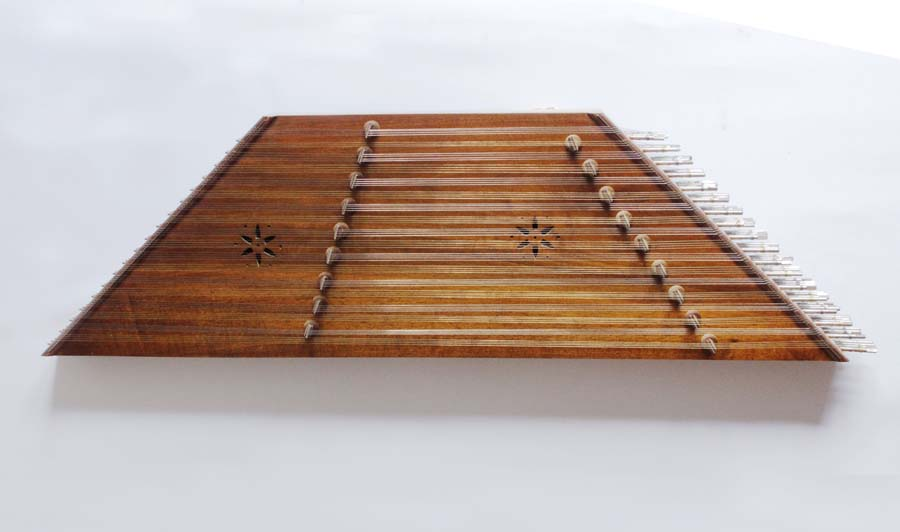 IMG/Instruments/Medium/santoor.jpg