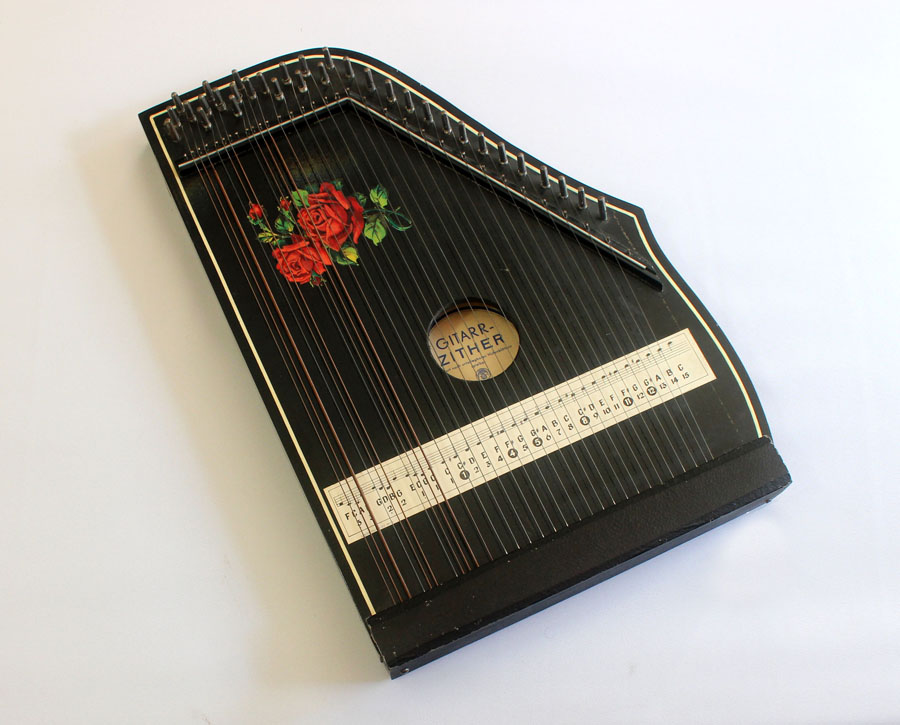 IMG/Instruments/Medium/zither1.jpg